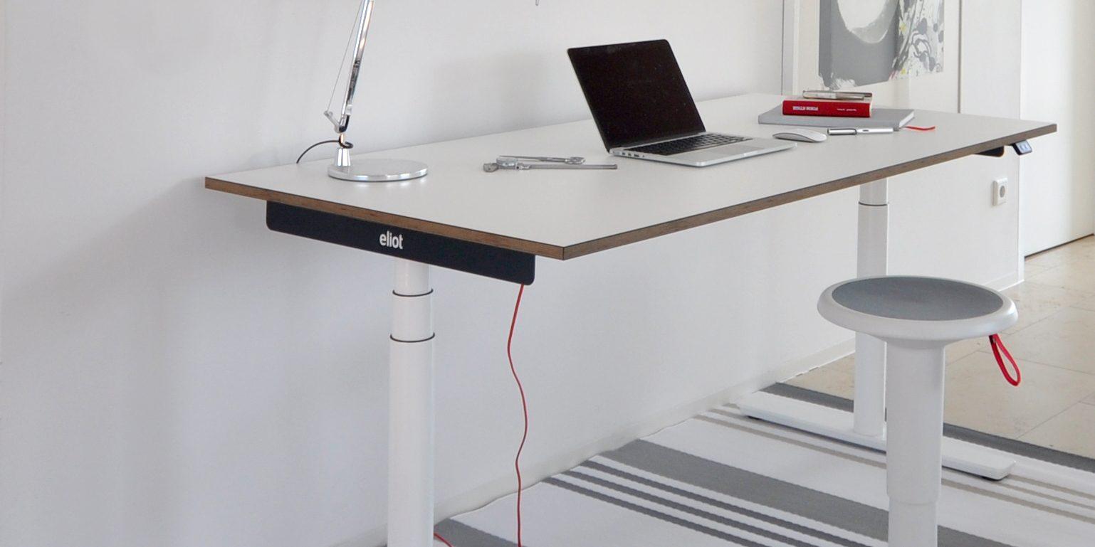 wie hoch muss ein schreibtisch sein. Black Bedroom Furniture Sets. Home Design Ideas
